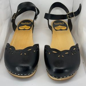 Swedish Hasbeens Black Clogs. Excellent Condition.
